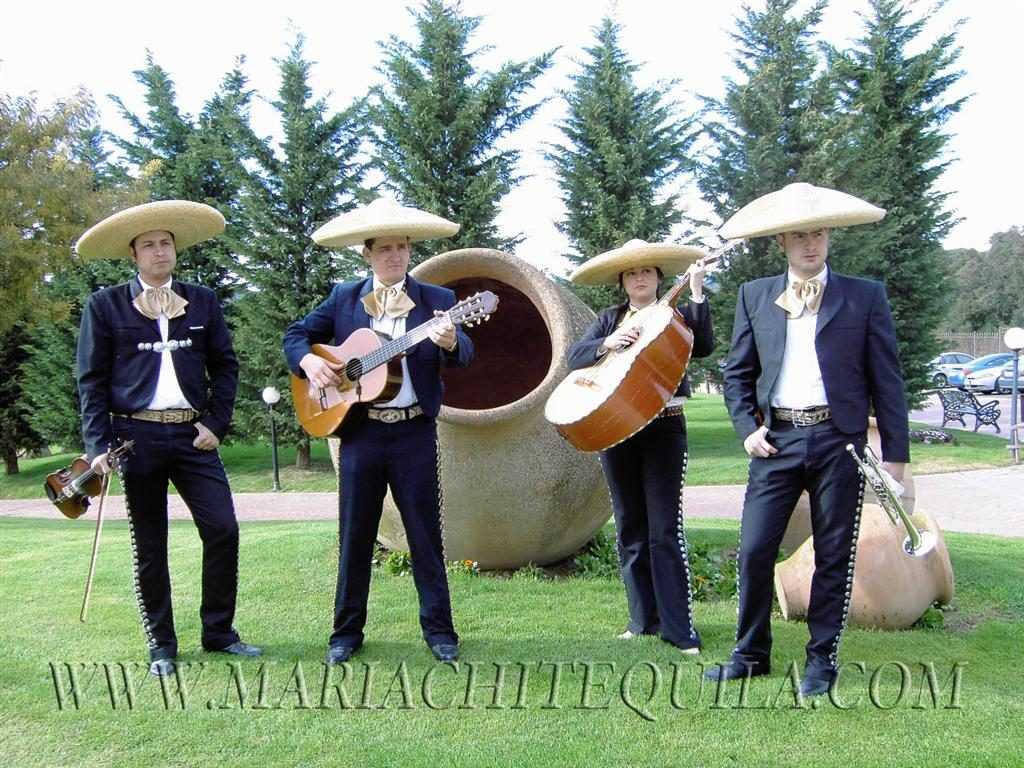 contratar-mariachis-girona